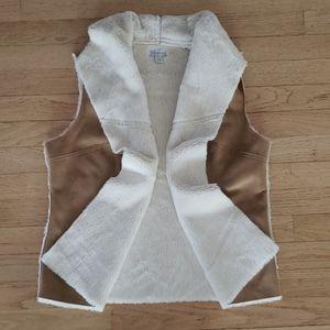 Relativity cozy fuzzy lined open vest size small